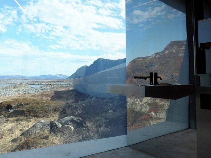 10 общественных туалетов, в которых посетители думают о прекрасном