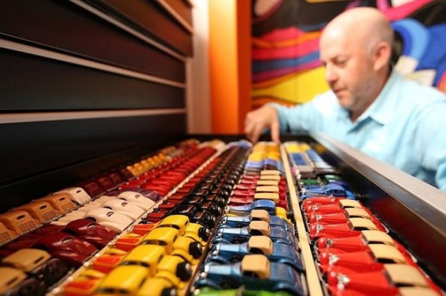 Американец собрал коллекцию из 3500 игрушечных авто