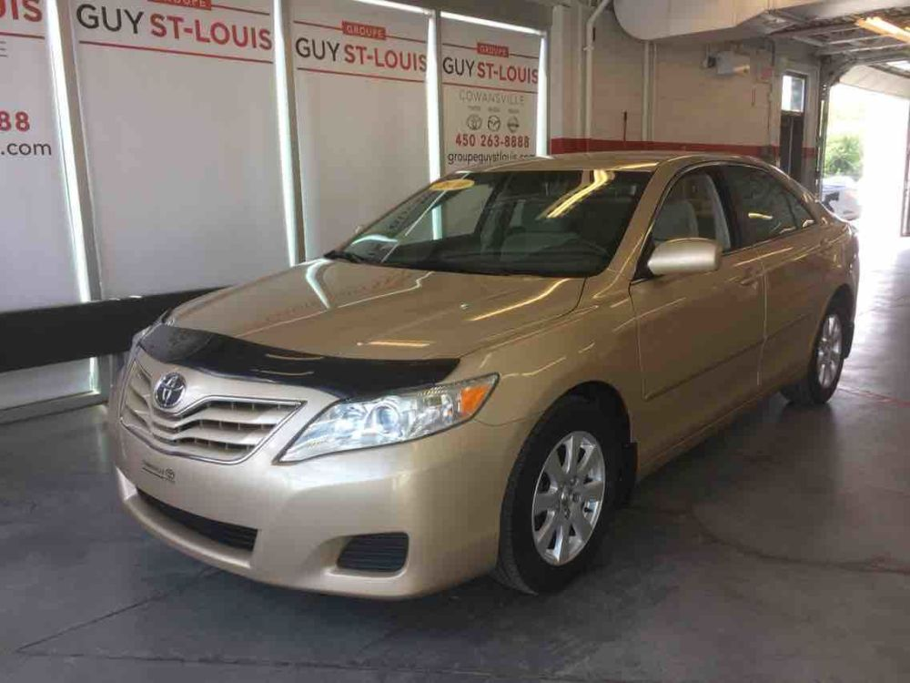 medium resolution of occasion cowansville pre owned 2010 toyota camry base for sale in cowanville