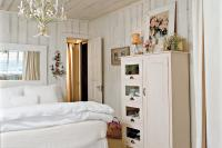 Cottage White - Master Bedroom Decorating Ideas - Southern ...