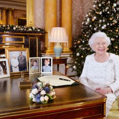 Saucer Chairs Sam S Club Fold Up Chair Beds The Hottest Christmas Toys For 2018 Royal Family Tree Is Just As Extra You D Expect