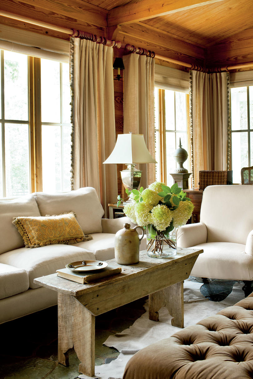 Living Room Decorating Ideas - Southern