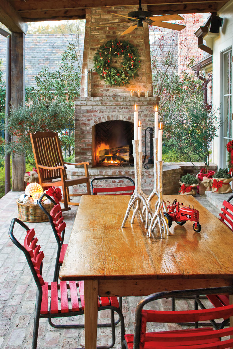 Outdoor Christmas Decorating Ideas Porches