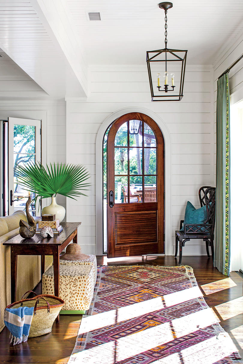 Front Foyer Decorating Ideas
