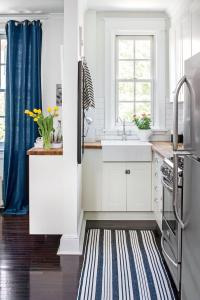 Tiny Kitchen Inspiration That You'll Want To Pin ...