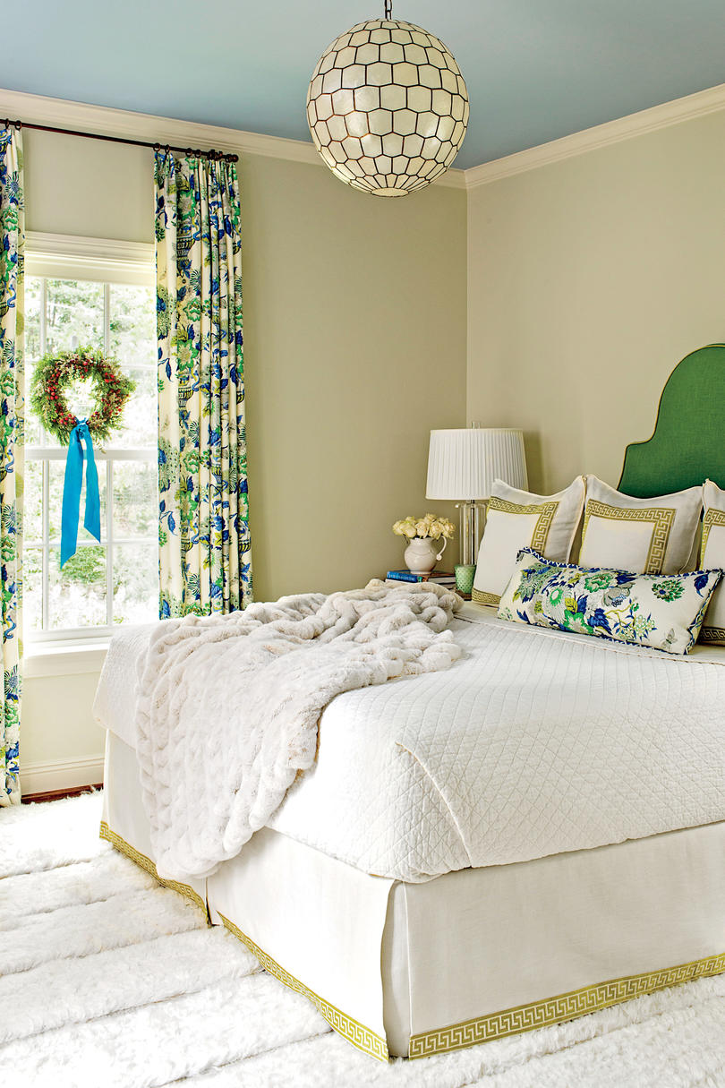 master bedroom decorating ideas christmas Bedrooms Decorated for Christmas - Southern Living
