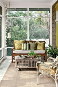 Tiny Porches and Patios That Are Giving Us Major ...
