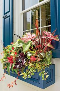 9 No-Fuss Floral Decorating Ideas For Your Front Porch ...