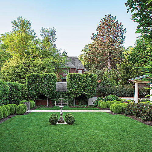 landscaping with boxwoods - southern