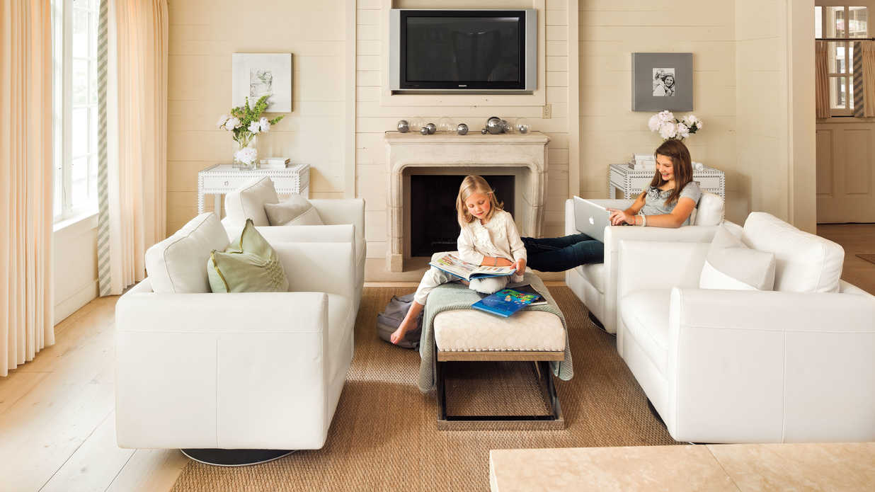 Use Flexible Furniture In A Great Room 106 Living Room Decorating Ideas Southern Living
