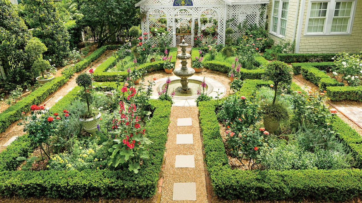 british-inspired courtyard - classic