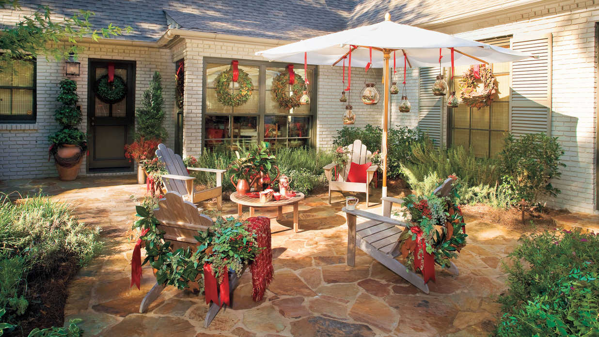 Dont Forget Outdoor Furniture  100 Fresh Christmas