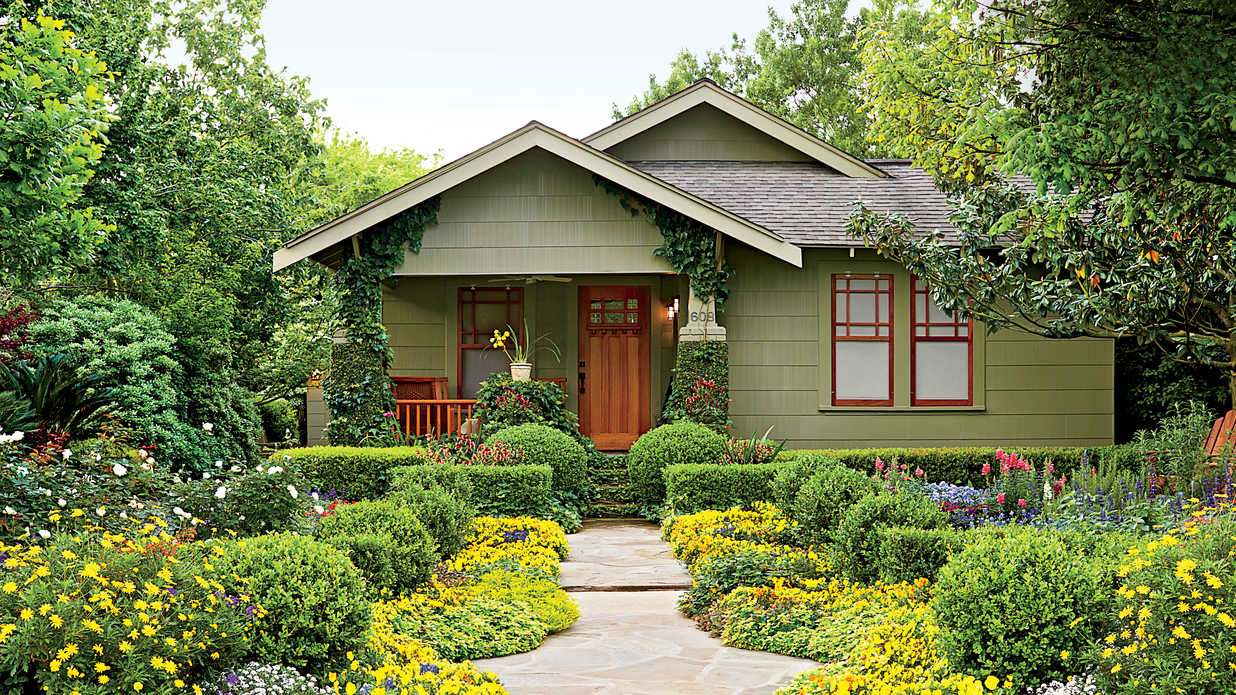 houston bungalow garden - southern