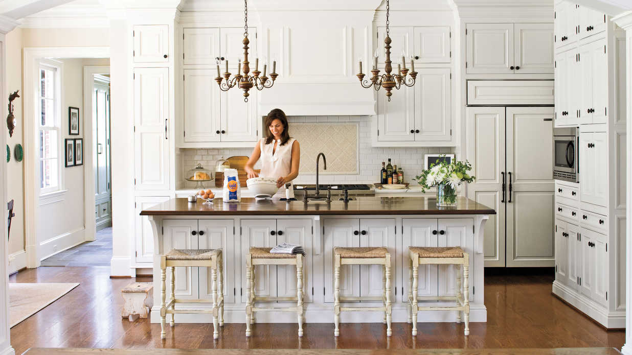 Crisp Amp Classic White Kitchen Cabinets Southern Living