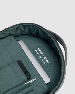 Incase - Commuter Backpack With Bionic - Backpacks (Grey) Commuter Backpack With Bionic
