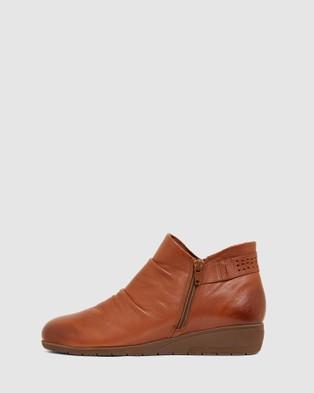female Wedge Boots