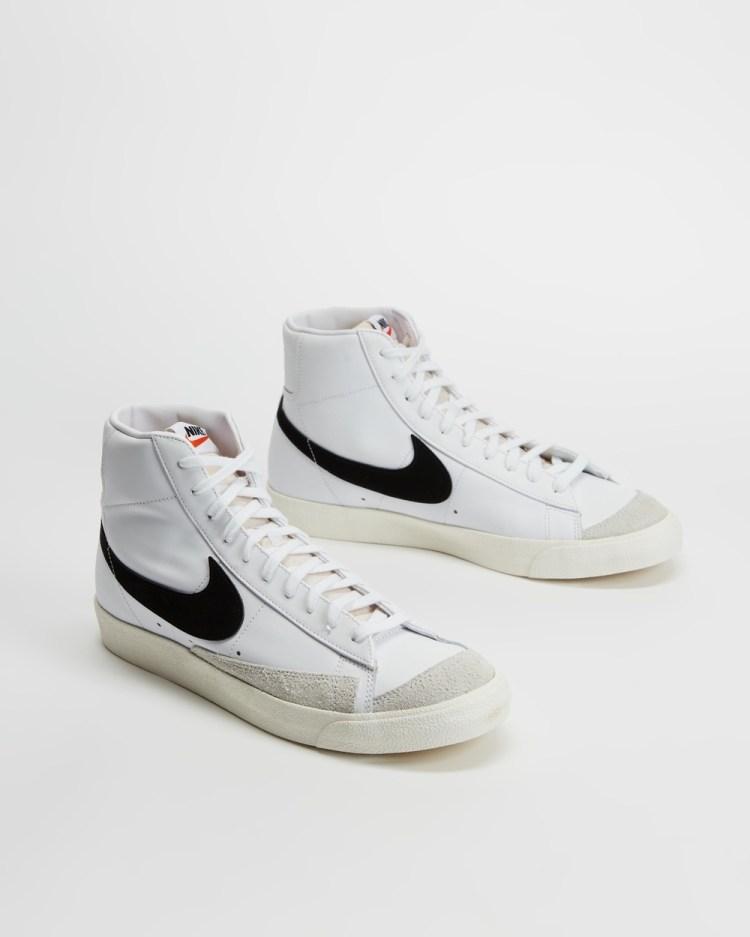 Nike Blazer Mid 77 Vintage Mens Lifestyle Sneakers White & Black