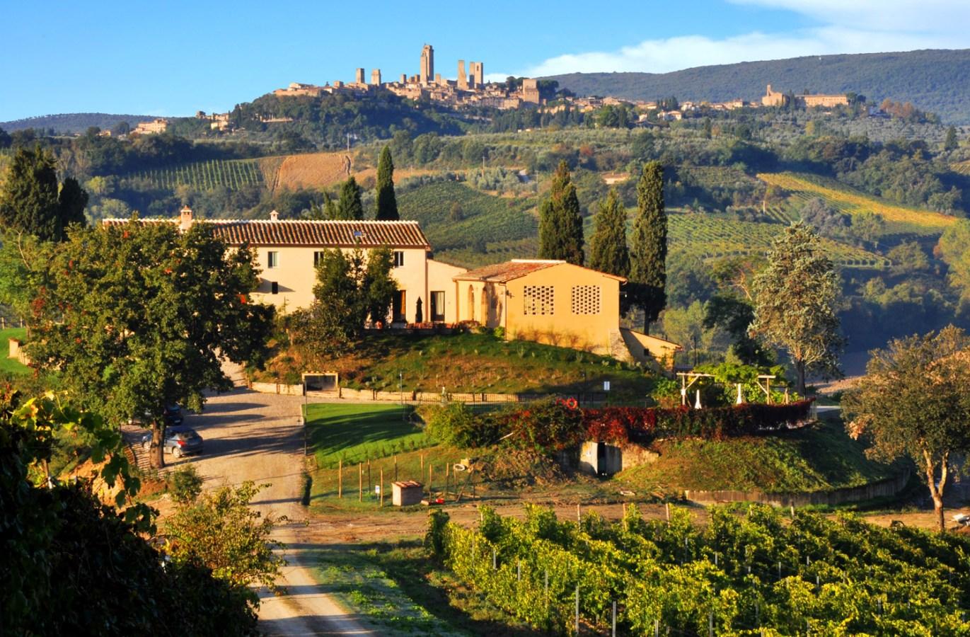 Lucciolaia Farmhouse Casaglia:Agriturismo with Pool near ...