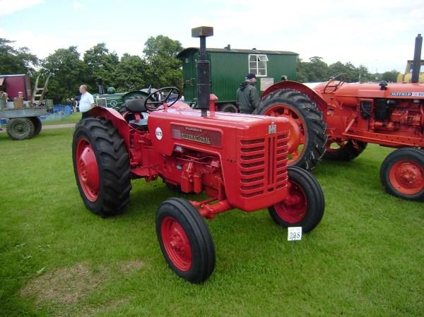International B275 - Tractor & Construction Plant Wiki