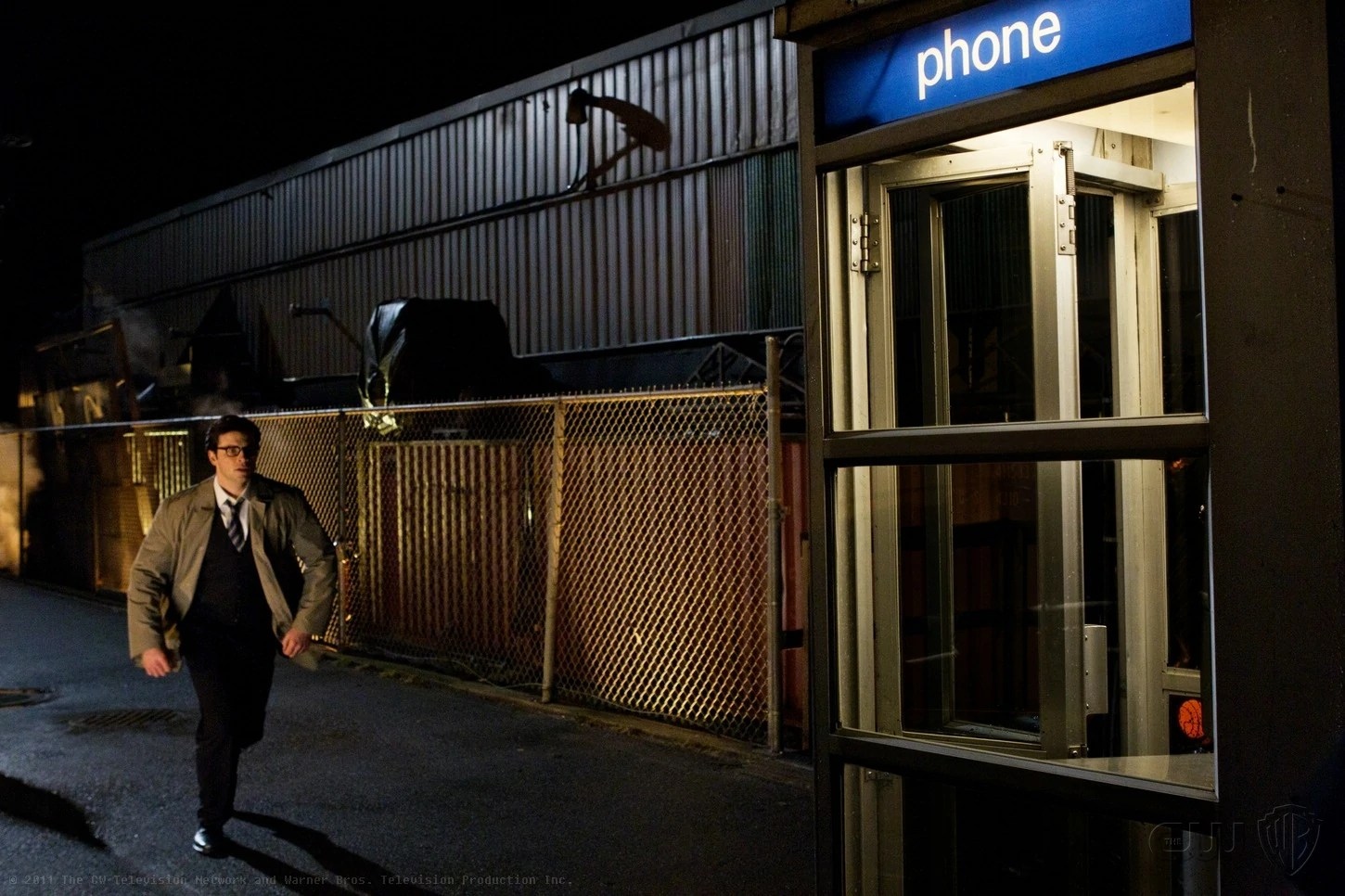 The Fall Tv Series Wallpaper Phone Booth Smallville Wiki Wikia