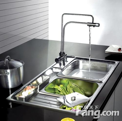 new kitchen sink light fixtures for 新买的厨房水槽生锈了怎么办 赶快来看看 青岛装修 青岛房天下 新买的水槽生锈了怎么办