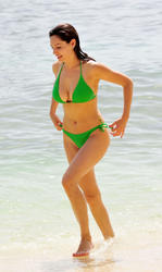 Kelly Brook in green bikini show off her great body and perfect breasts during holiday in the Caribbean - Hot Celebs Home