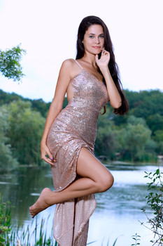 MetArt – Martina Mink – Gown In Nature