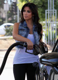 Kim Kardashian in leggigns shows her great ass at gas station in Calabasas - Hot Celebs Home