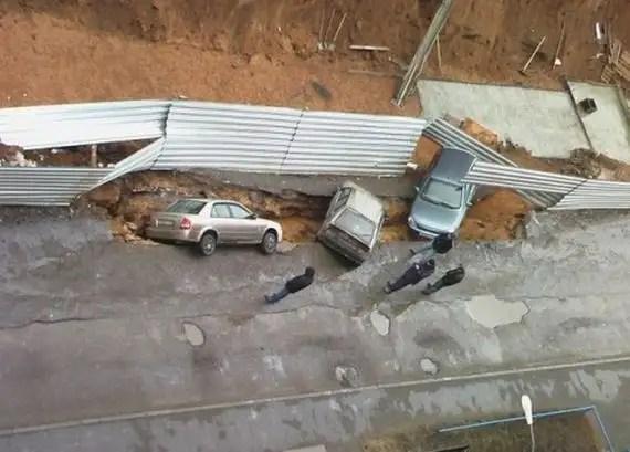 48772573 - Accidentes bizarros de coches