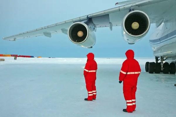 95208560 - Estación Rusa en la Antártida
