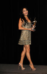 Vanessa Hudgens leggy in short dress at ShoWest 2010 Awards Ceremony - Hot Celebs Home