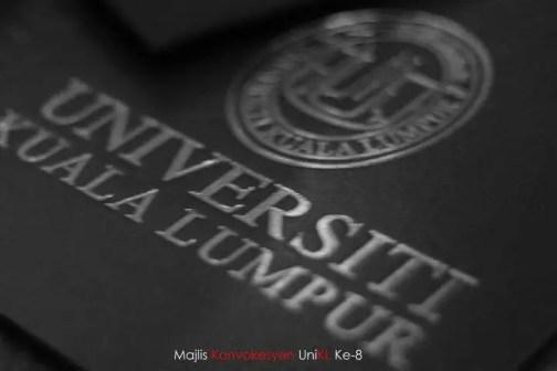 im graduated, saya sudah konvo, saya sudah bergelar graduan, graduan universiti kuala lumpur 2011,