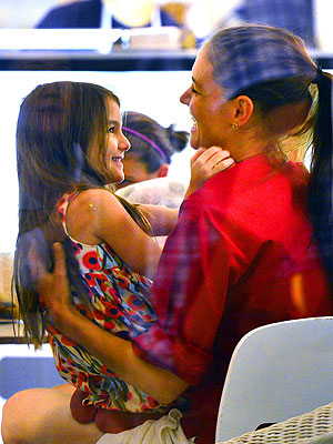 Katie Holmes Takes Suri Out for Ice Cream in New York City | Katie Holmes