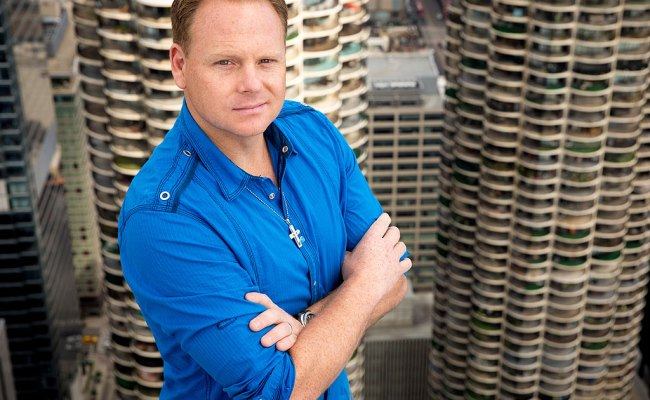 Nik Wallenda Talks To People About His Newest Blind