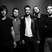 Maroon 5 - Girls Like You Lyric