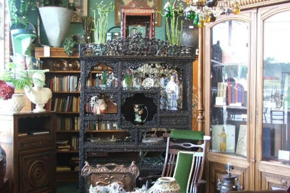 Roumillats Antiques Mall Amp Auction Charleston Shopping