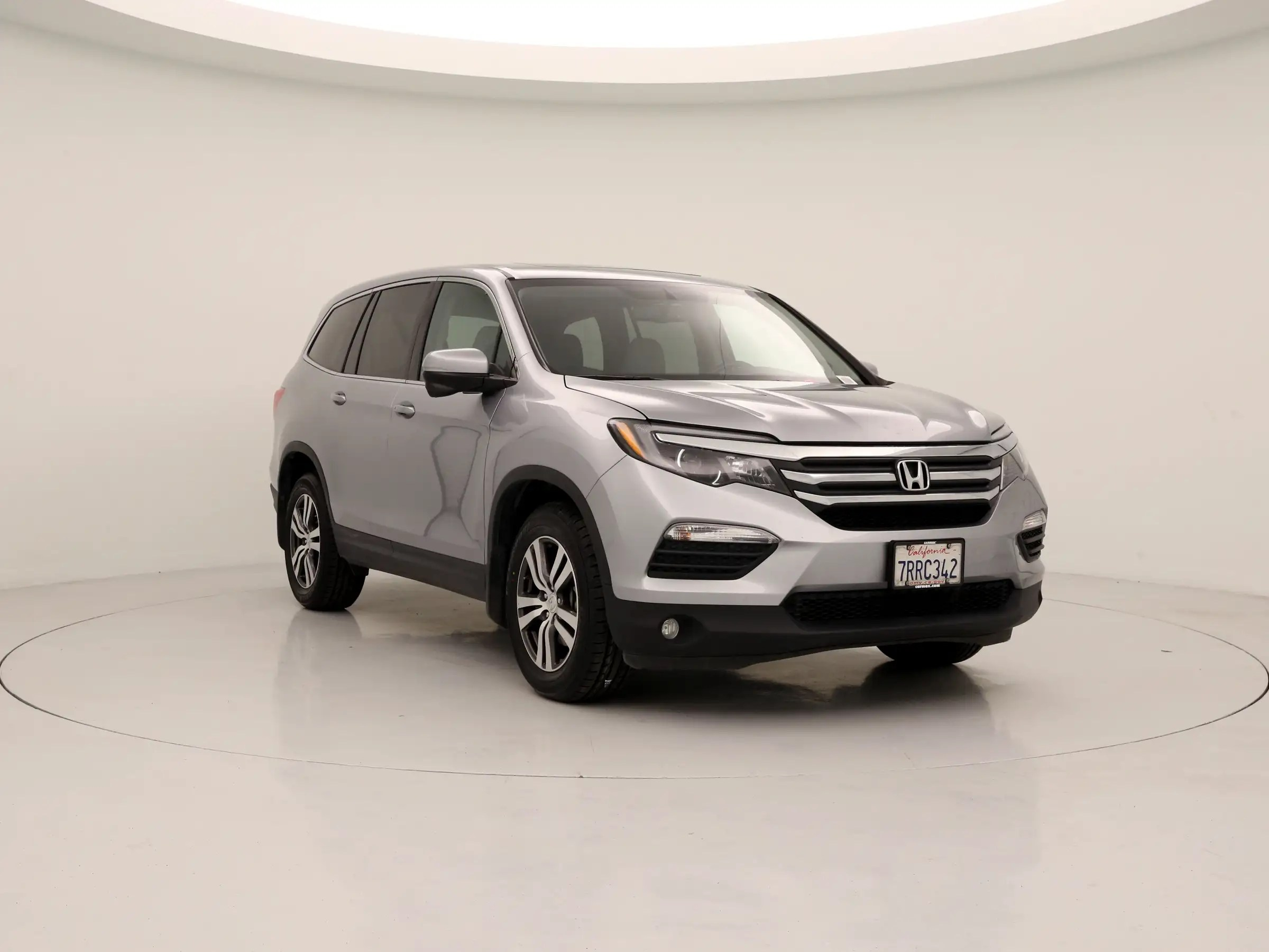 suv with 3 rows and captains chairs revolving chair for sale used honda pilot single owner