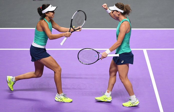 Zhang/Stosur power into doubles semis of WTA Finals Shenzhen 2