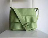 Ruffled Pale Green Bag - Crossbody - rutinet