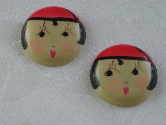 Vintage 1920's Celluloid Garter Button or Belt Buckle Embellishment Sew On    Rosy Cheeked Flapper Girl with Cloche