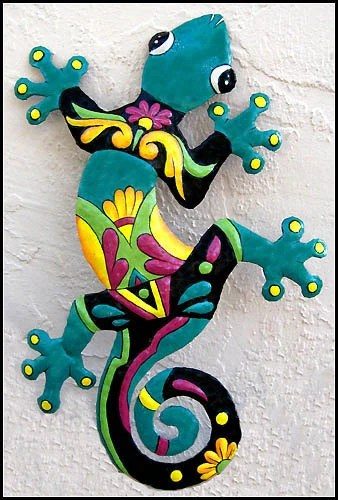 """24"""" Gecko Outdoor Wall Hanging - Painted Upcycled Metal Garden Art- M402-TQ-24"""