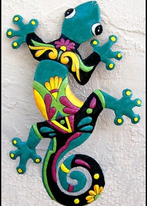 "24"" Gecko Outdoor Wall Hanging - Painted Upcycled Metal Garden Art- M402-TQ-24"