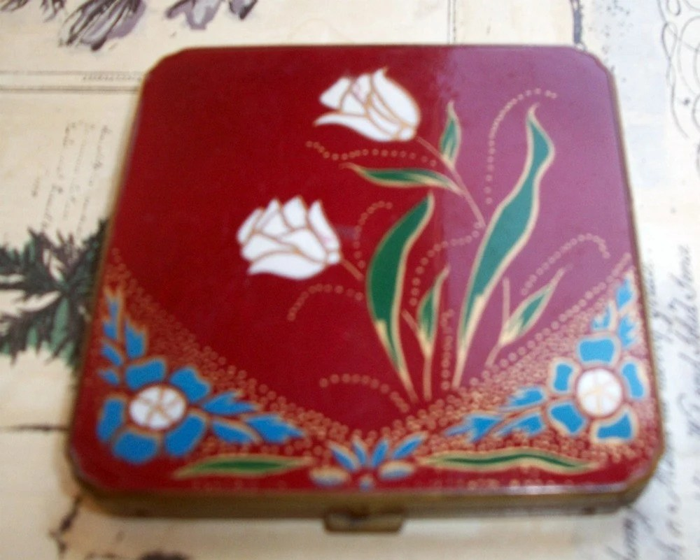 RARE Red Enamel Vintage Compact w Flowers / Enamel covers Front AND Back / Circa 1930s /Art Nouveau