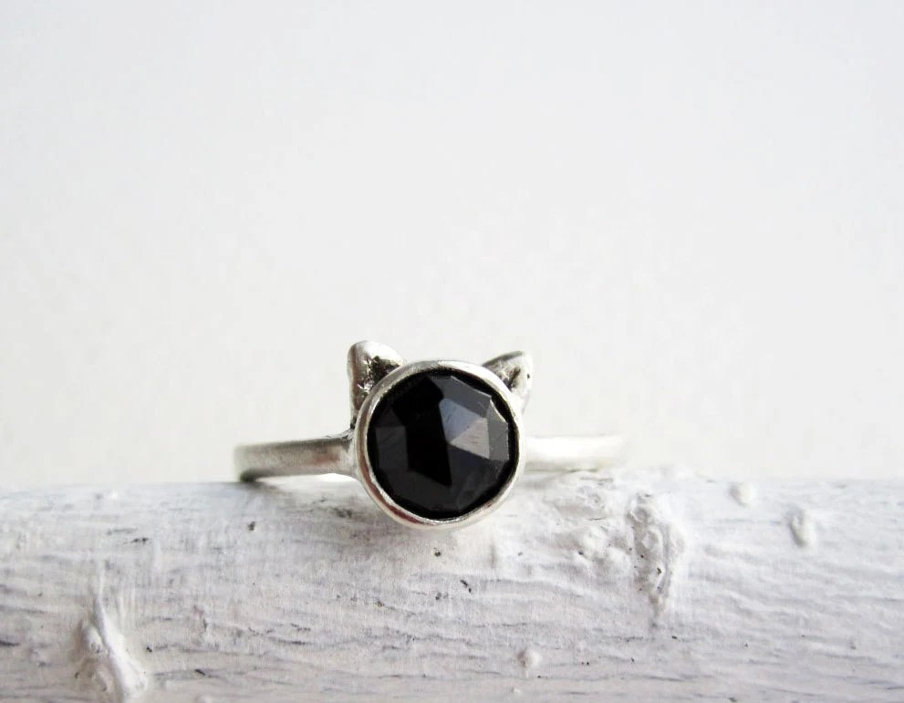 Black Cat Ring, Black Spinel and Sterling Silver, MADE TO ORDER - EveryBearJewel