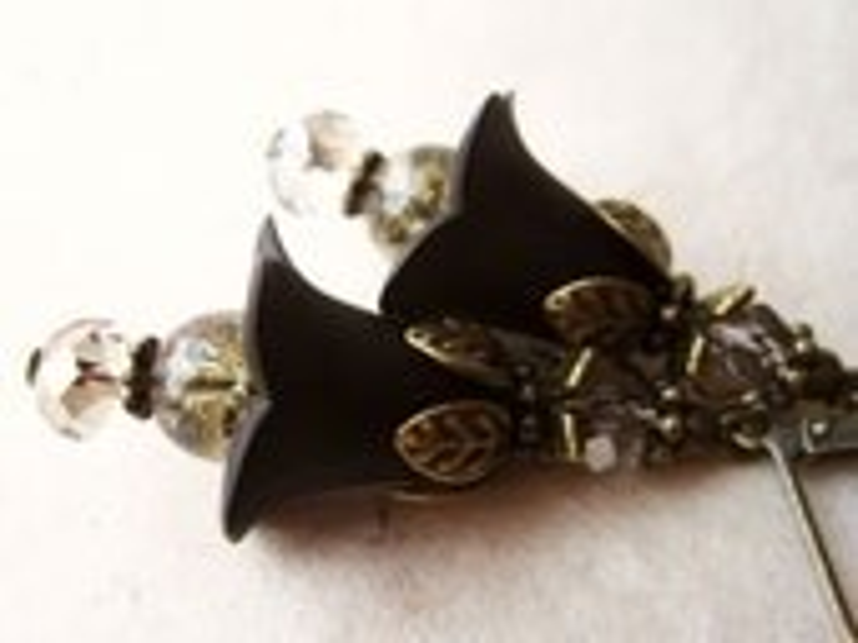 Black Flower Earrings. Lucite Flower Earrings with Sparkling Crystals & Antique Brass Accents. Black Earrings. Vintage Inspired. FDE7 - PiggleAndPop