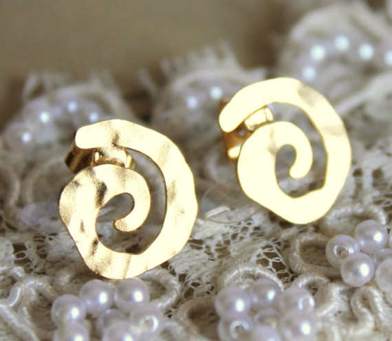 Spiral  gold stud  earring -petit elegant 14k gold matte coated post earrings - iloniti