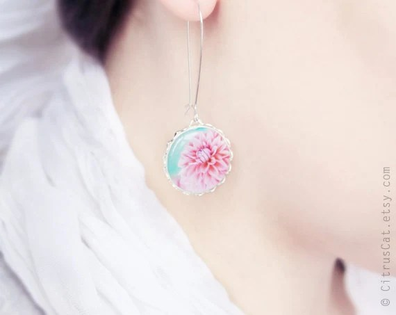 Pastel pink flower earrings - CitrusCat