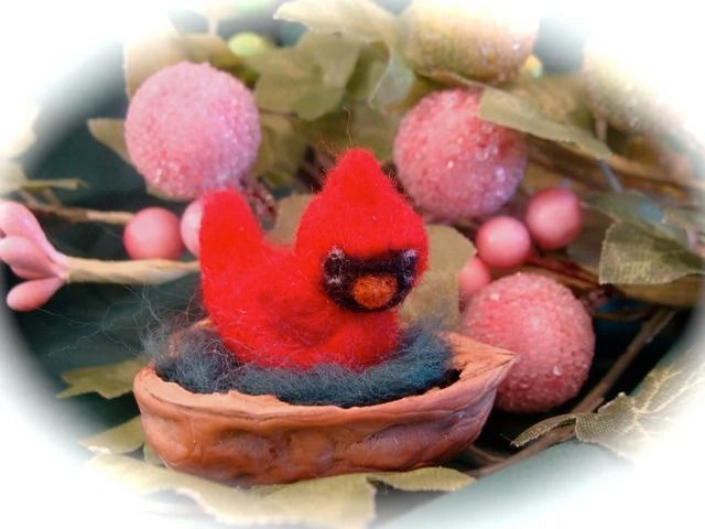 SALE.....Needle felted miniature cardinal.....perfect for your miniature display - LoveableTreasures