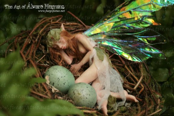 Sleeping fairy on a nest- Handmade Ooak faerie fantasy creature art doll faerie - FuegoFatuo