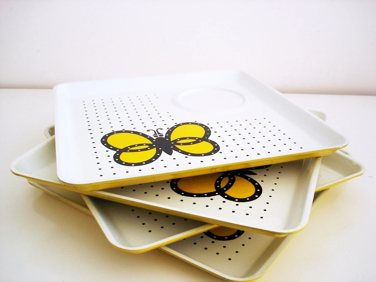 Vintage 70s snack trays/ butterfly polka dots/ set of 4/ mustard yellow black polka dots white/ Cho-Cho-San by JSC/ Made in Japan/ melamine - Vintagiality
